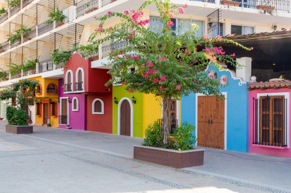 911 The Most Colorful Cities In The World (24 photos)