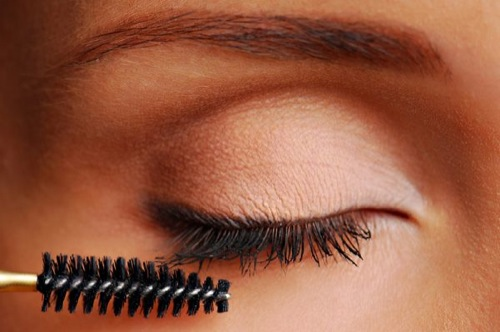 10-ways-to-make-your-eyes-look-bigger-1.jpeg
