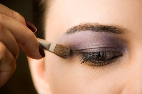 10-ways-to-make-your-eyes-look-bigger.jpeg