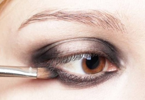 10-ways-to-make-your-eyes-look-bigger.jpeg