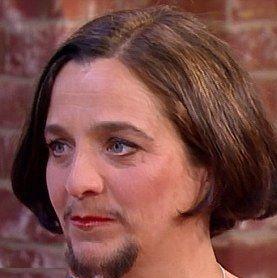زن ریشدار