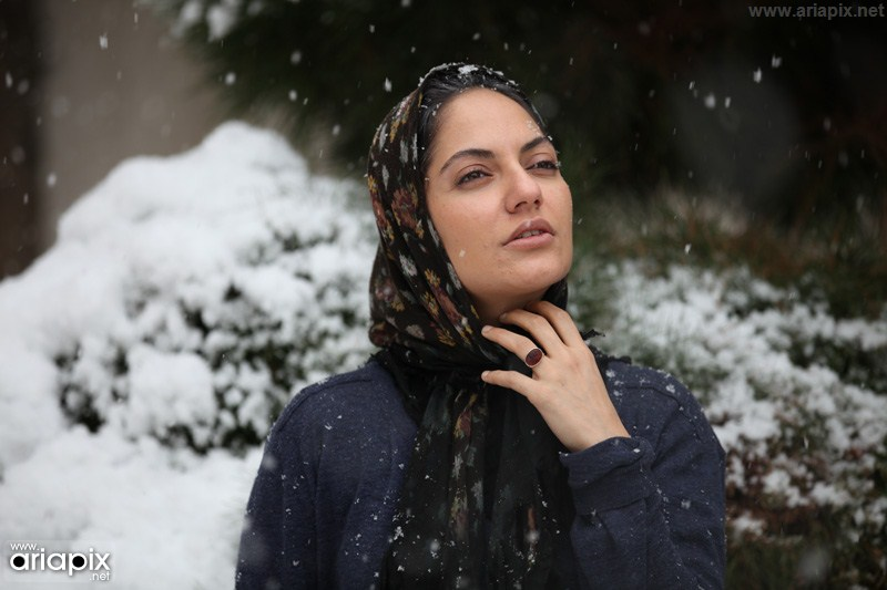 مهناز افشار فیلم برف روی کاج ها