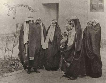 پوشش زنان در دوره قاجار