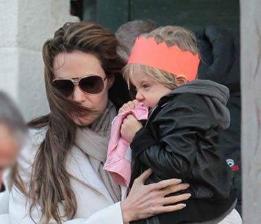 انجلینا جولی و مادر بودن, بهترین مادر حوزه سینما آنجلینا جولی
