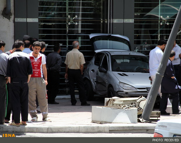 رانندگی عجیب زن جوان در تهران