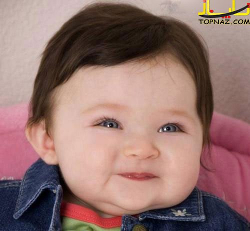 لبخند زیبای دختر