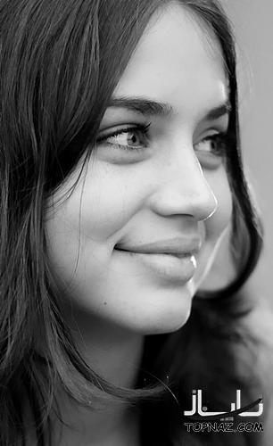 عکسهای کارولینا بازیگر سریال مدرسه شبانه روزی