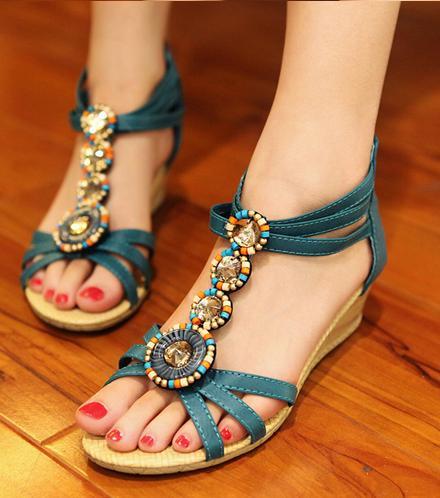 http://dl.topnaz.com/2013/06/Sandals-Model-13.jpg