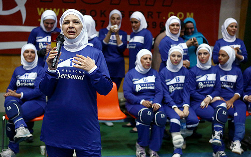 عکسهایی از تیم والیبال هنرمندان زنان
