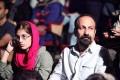 اصغر فرهادی همراه با همسر و دخترش به تماشای تئاتر نشستند + تصاویر