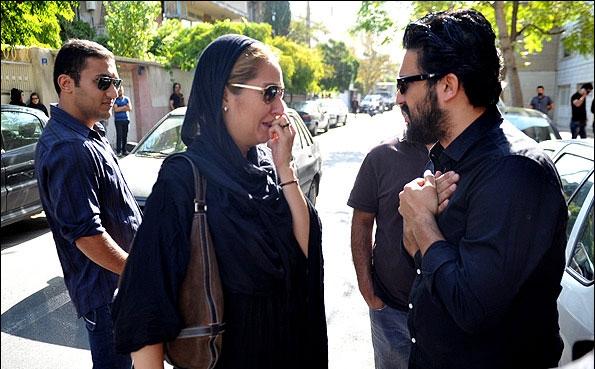 مهناز افشار، طناز طباطبایی و لیلا حاتمی در مراسم ختم پدر حامد بهداد