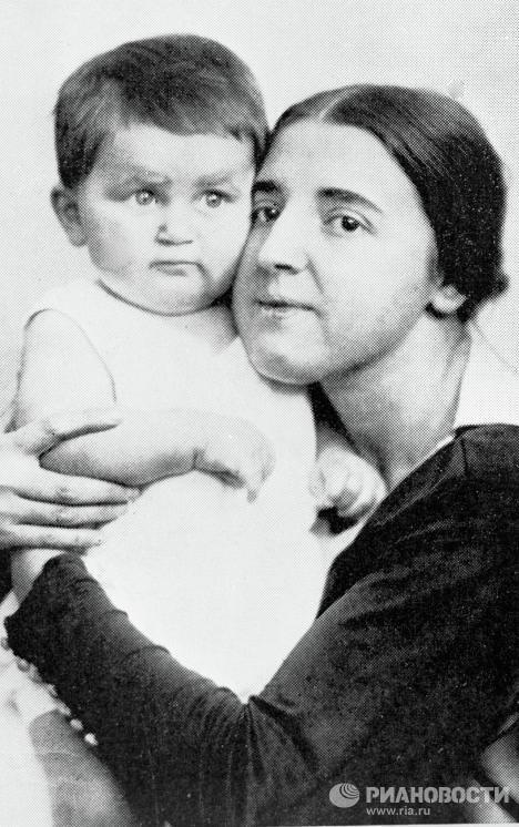 عکس از همسران دیکتاتورها