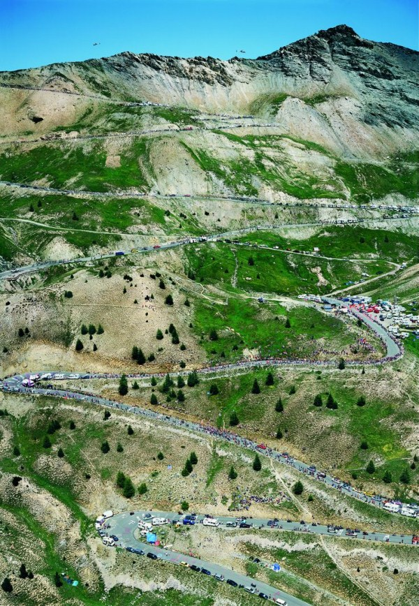 32 Most Wicked Roads In The World (34 photos)