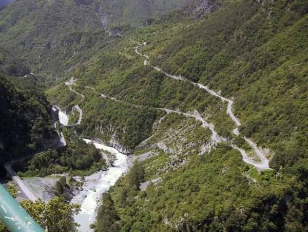 81 Most Wicked Roads In The World (34 photos)