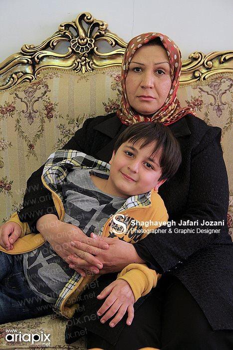 عکس بازیگر کودک سریال دودکش و مادرش