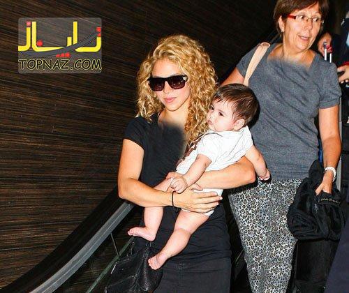 شکیرا و پسر کوچکش در فرودگاه لس آنجلس