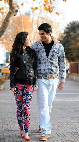زینب بازیگر سریال کوزی گونی و همسرش