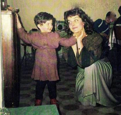 عکس کودکی مهری ماه سلطان
