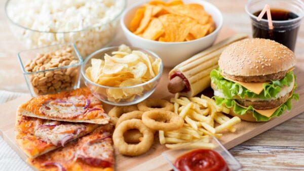 Photo of 12 نکته در مورد فست فود + توصیه های برای خوردن فست فود مناسب