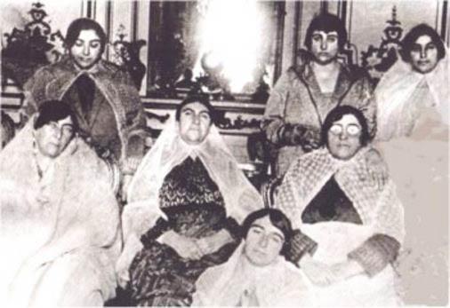 نمایش پست :زنان دوره قاجار