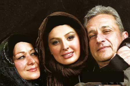 عکس های نیوشا ضیغمی در کنار پدر و مادرش