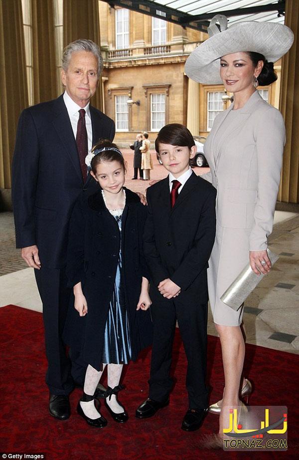 کاترین زتا جونز و خانواده اش