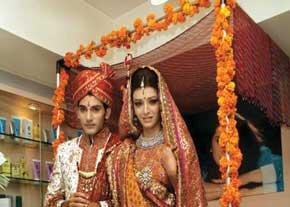 مراسم های عجیب و جالب پیش از ازدواج