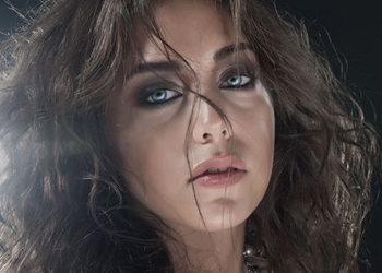 جمره بازیگر سریال کوزی گونی و نامزدش