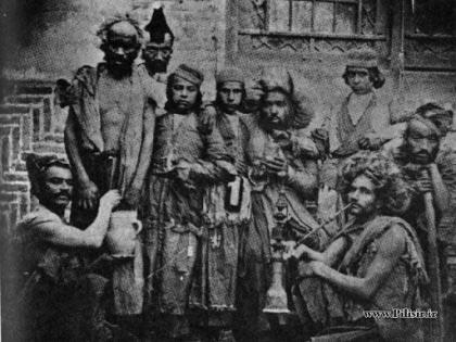 عکس از دلقک های ناصرالدین شاه