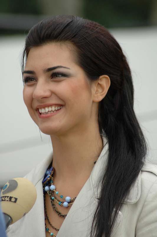 عکس های طوبی بیوکستان بازیگر سریال 20 دقیقه