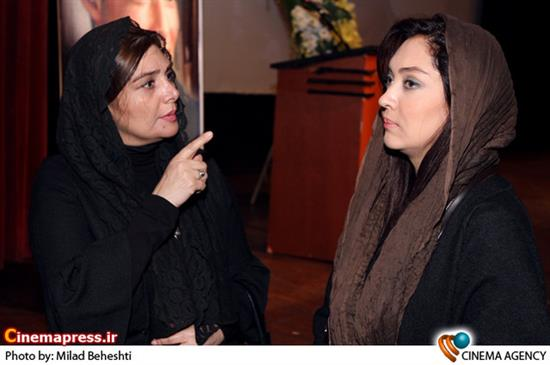 هنگامه قاضیانی و نیکی کریمی درمراسم بزرگداشت زنده یاد «سعید امینی» بازیگر فیلم نفس عمیق