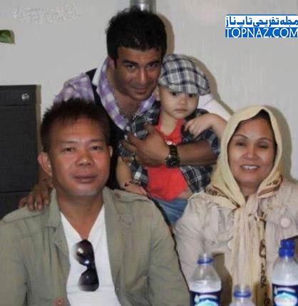 یوسف تیموری و پدرزن و مادرزن تایلندی اش