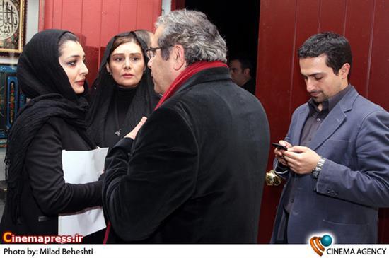 هنگامه قاضیانی و ساره بیات درمراسم بزرگداشت زنده یاد «سعید امینی» بازیگر فیلم نفس عمیق