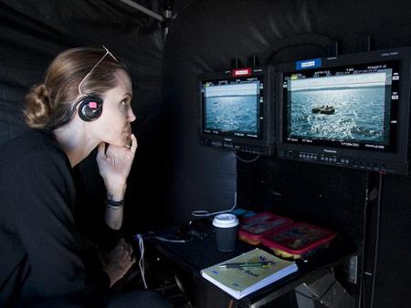 تصاویر آنجلینا جولی در پشت صحنه نشکسته , تصاویر آنجلینا جولی در فیلم جدید