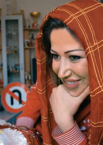 زهره وطن خواه,زهره وطن خواه نخستین بانوی رالیباز ایرانی,عکس زهره وطن خواه