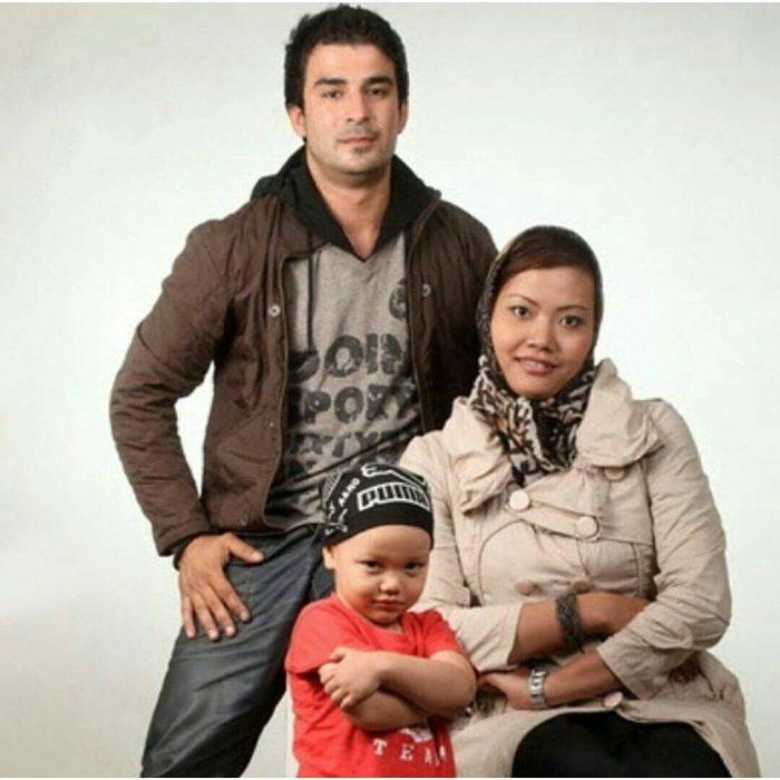 Photo of بیوگرافی یوسف تیموری + ماجرای ازدواج و جدایی از همسر خارجی و عکس های همسرش