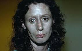 رنگ پوست این زن بسیار عجیب است! +عکس