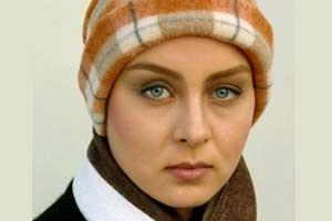 حدیث فولادوند با گریم جدید در نقش همسر شاه +عکس