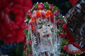 این خانم عجیب ترین عروس دنیا است! +عکس