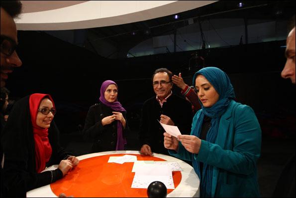 رقابت نرگس محمدی و حدیث میرامینی در مشاعره ستارهها/ عکس