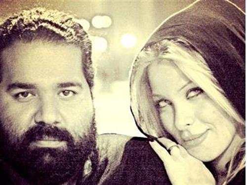 رضا صادقی و همسرش