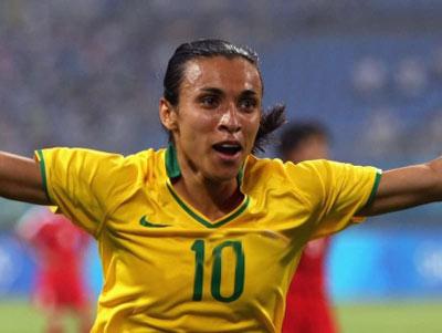 گرانترین فوتبالیست زن دنیا + عکس