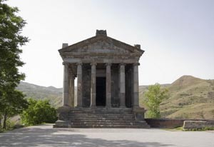 معبد گارنی در ایروان ارمنستان