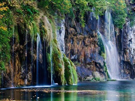 آبشارهای شگفت انگیز و زیبای سراسر دنیا,زیباترین آبشارهای جهان