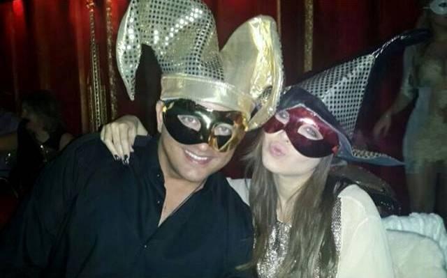 عکسی از نانسی عجرم و همسرش در شب کریسمس