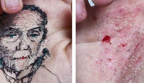 نقاشی های دردناک در کف دست +عکس