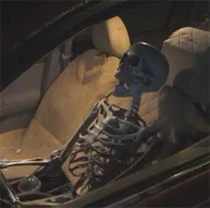کلیپ خنده دار دوربین مخفی راننده اسکلیت