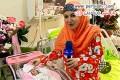 عکس خاله شادونه در کنار دختر تازه به دنیا آمده اش