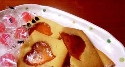 شیرینی شیشه ای قلبی روز ولنتاین