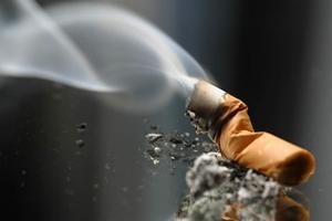 10 اثر مخرب سیگار بر ظاهر شما